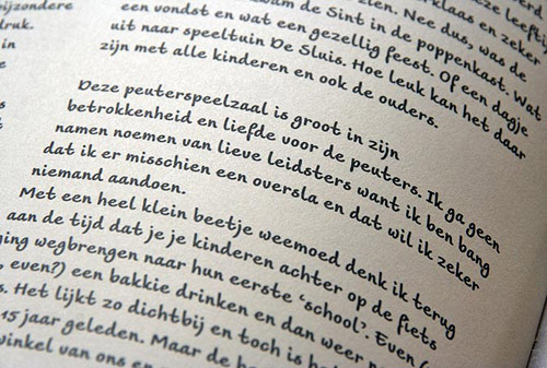 Aniek in use in Op z'n Raams, the jubilee book celebrating 30 years of De Speelwinkel in Gouda.