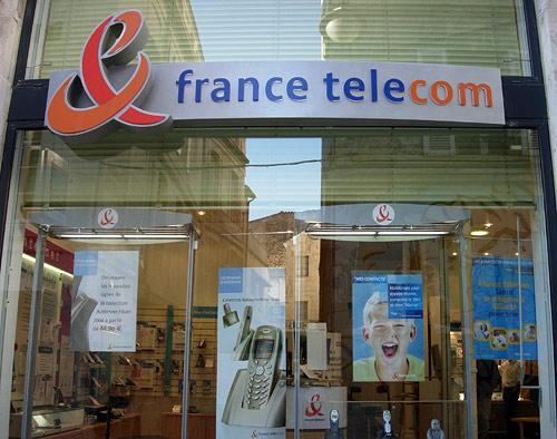Bienvenue in use on a France Télécom branded store