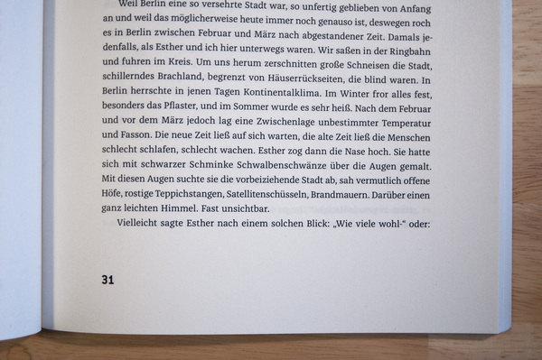 Small_federlesen_franziska-in-use__005@2x